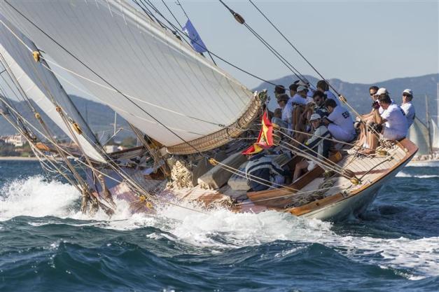 Sailing Boat01