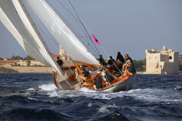 Sailing Boat02